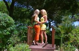 blonde hot lesbians jo and gina
