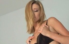 carli banks takes her clothes off