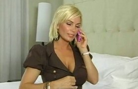 busty businesswoman wants sex