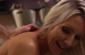 beautiful milf emma starr showering after sex